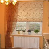 вариант необычного стиля гостиной с римскими шторами картинка