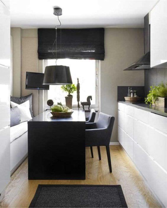 идея красивого стиля спальни с римскими шторами