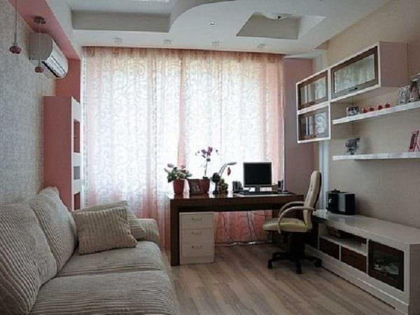 вариант светлого декора маленькой комнаты фото