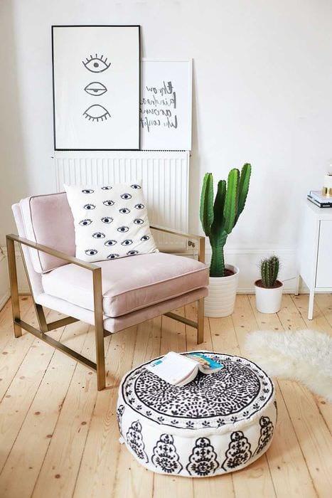 идея использования светлого ламината в красивом интерьере квартиры