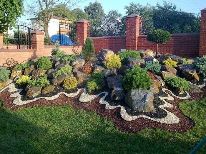 пример применения красивых растений в ландшафтном дизайне дома