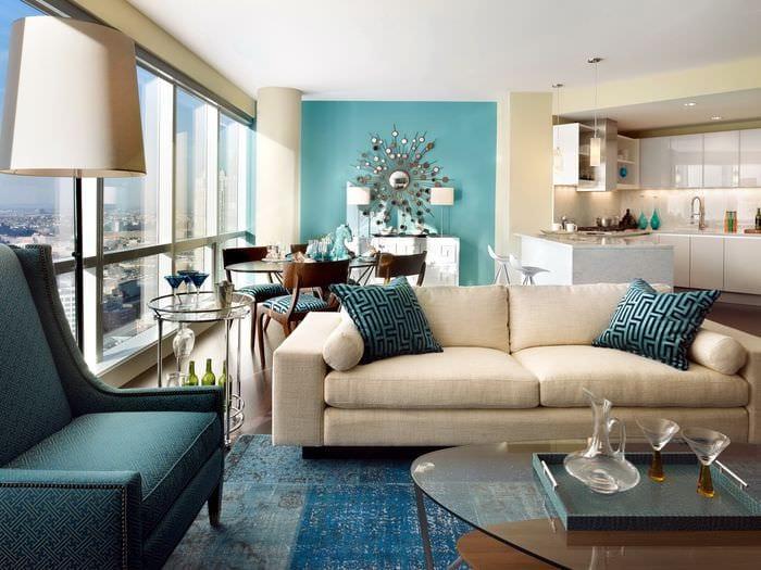 вариант применения необычного голубого цвета в стиле комнаты