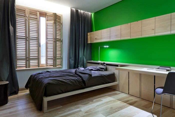 вариант применения зеленого цвета в светлом дизайне квартиры