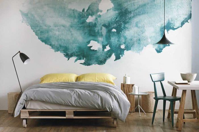 вариант красивого стиля квартиры с росписью стен