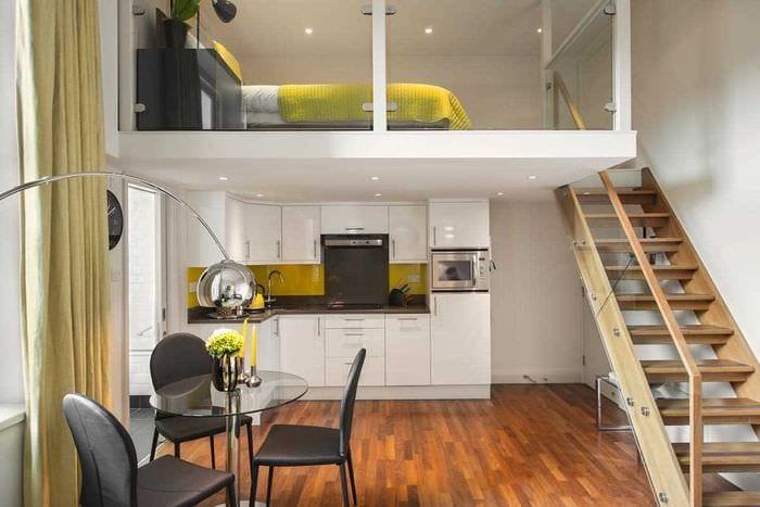вариант светлого стиля квартиры студии
