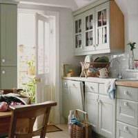 идея яркого стиля кухни 8 кв.м картинка