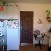 вариант яркого дизайна небольшой комнаты в общежитии картинка