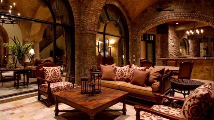 вариант необычного дизайна дома в романском стиле