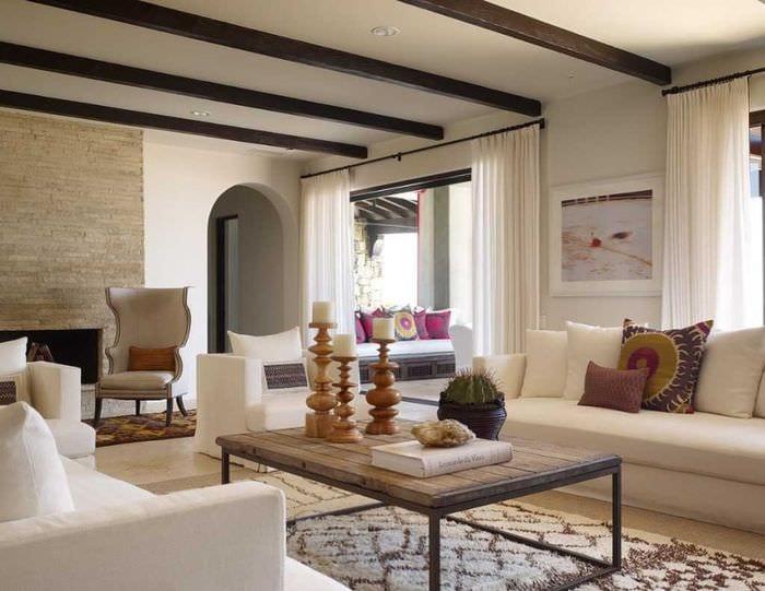 вариант красивого стиля дома в романском стиле