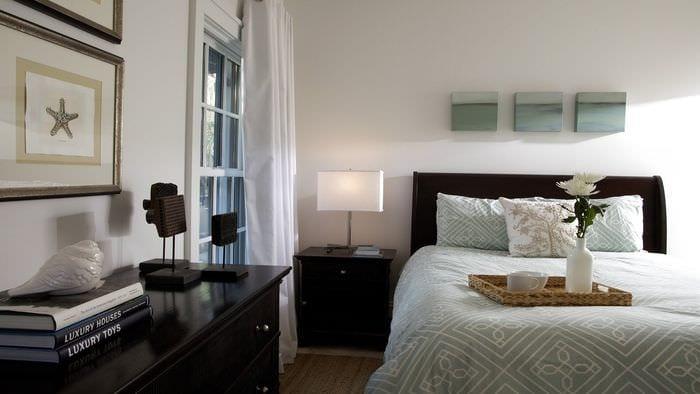 вариант светлого интерьера комнаты в скандинавском стиле