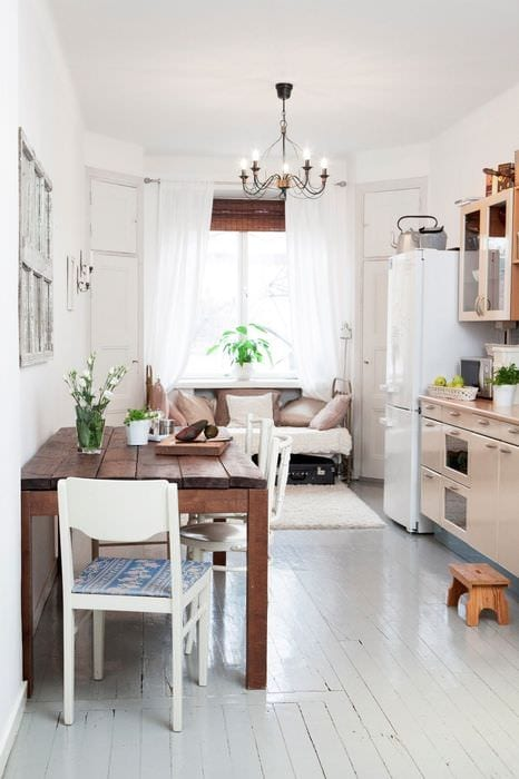 идея яркого дизайна маленькой комнаты