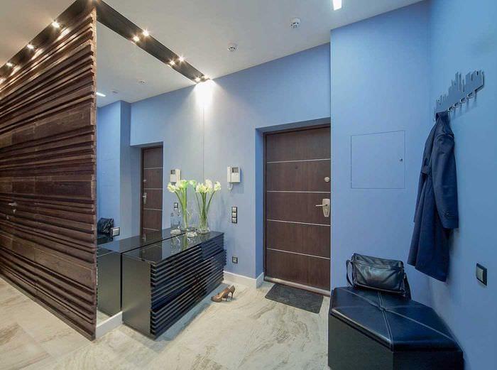 идея светлого декора современной прихожей комнаты