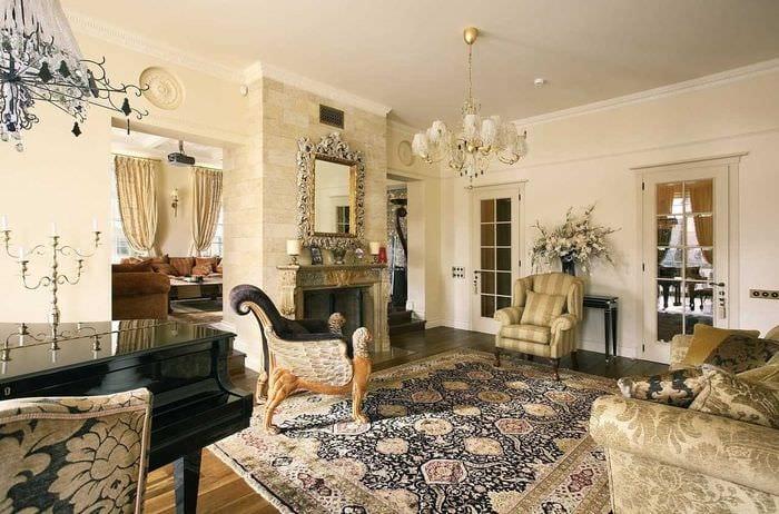 пример использования русского стиля в светлом интерьере комнате