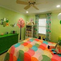 идея использования зеленого цвета в красивом интерьере квартиры картинка