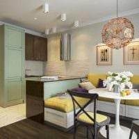 пример светлого декора кухни 14 кв.м фото