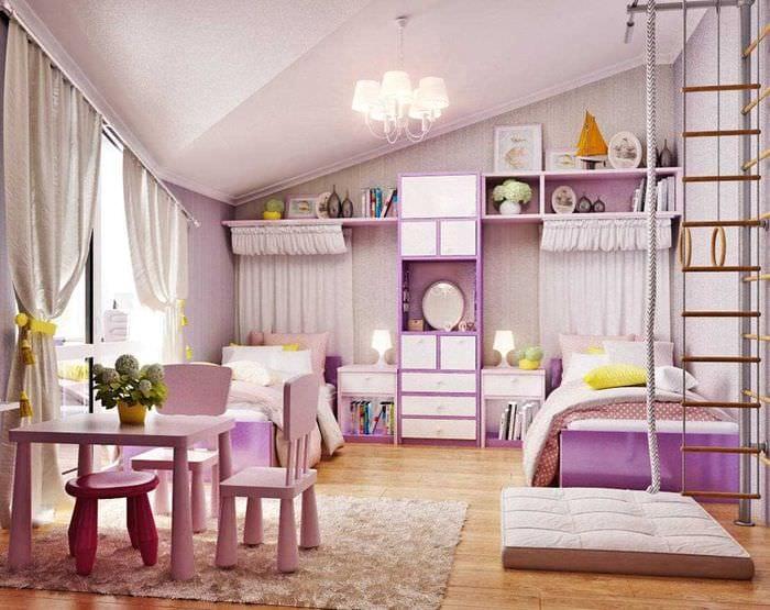 идея светлого интерьера детской комнаты для двоих девочек