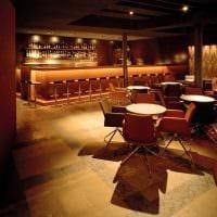 пример применения яркого дизайна комнаты в стиле ретро картинка