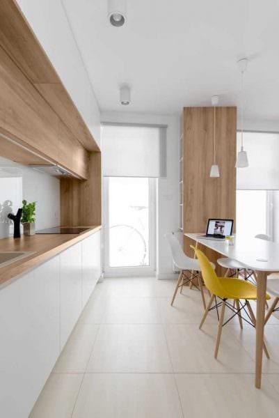 пример использования яркого декора кухни фото