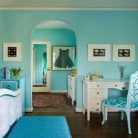 идея использования интересного голубого цвета в стиле дома картинка