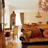 пример использования яркого декора комнаты в стиле ретро картинка