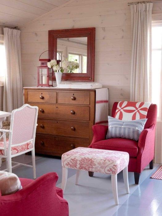 идея использования розового цвета в красивом дизайне комнате