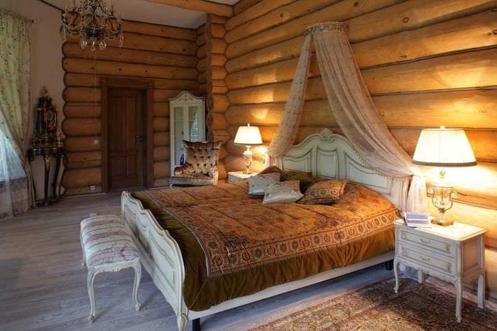 пример использования русского стиля в ярком дизайне комнате