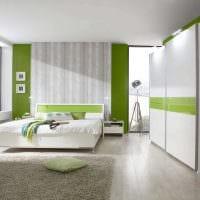 вариант применения светлого ламината в необычном интерьере квартиры фото