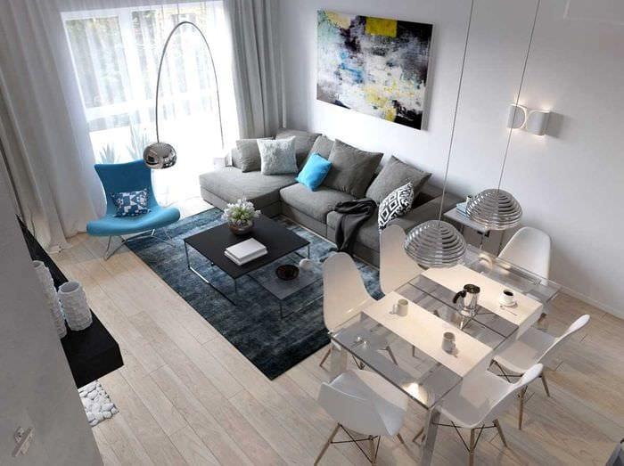 вариант использования светлого ламината в ярком дизайне дома