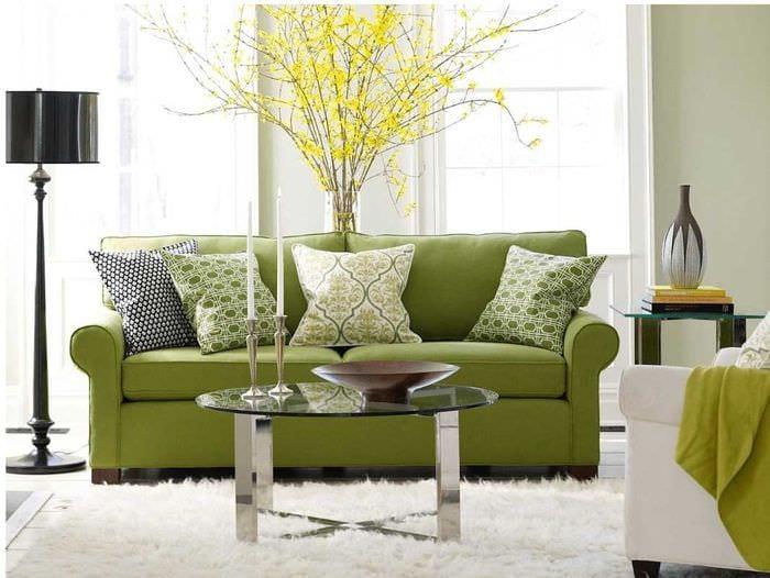 идея применения зеленого цвета в ярком дизайне квартиры