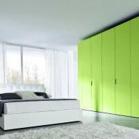 вариант использования зеленого цвета в красивом декоре комнаты фото