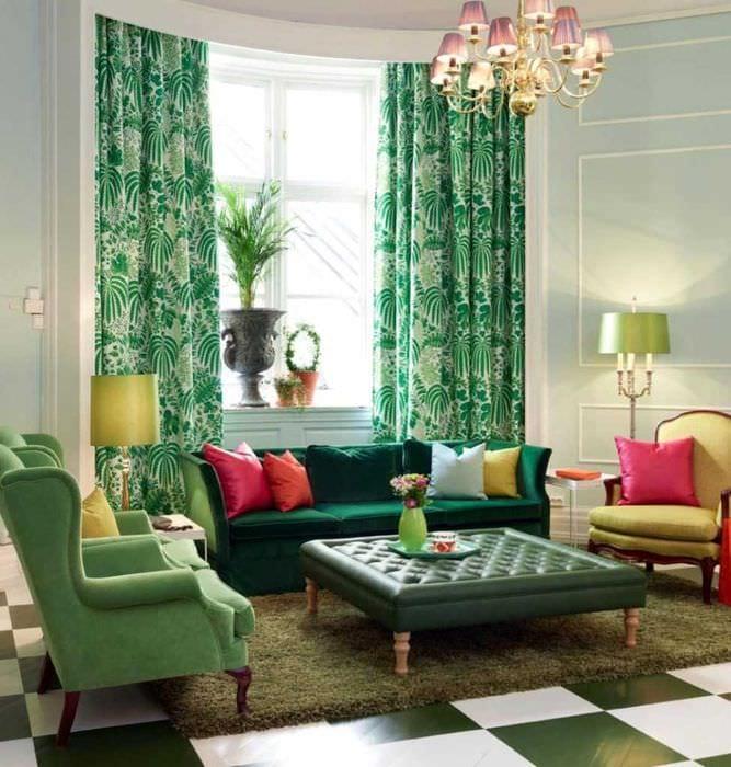 пример использования зеленого цвета в светлом интерьере комнаты