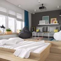 вариант яркого интерьера спальной комнаты 18 кв.м. фото