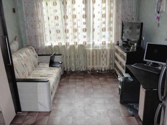 идея необычного стиля маленькой комнаты в общежитии