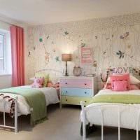 вариант красивого интерьера детской комнаты для двоих девочек картинка