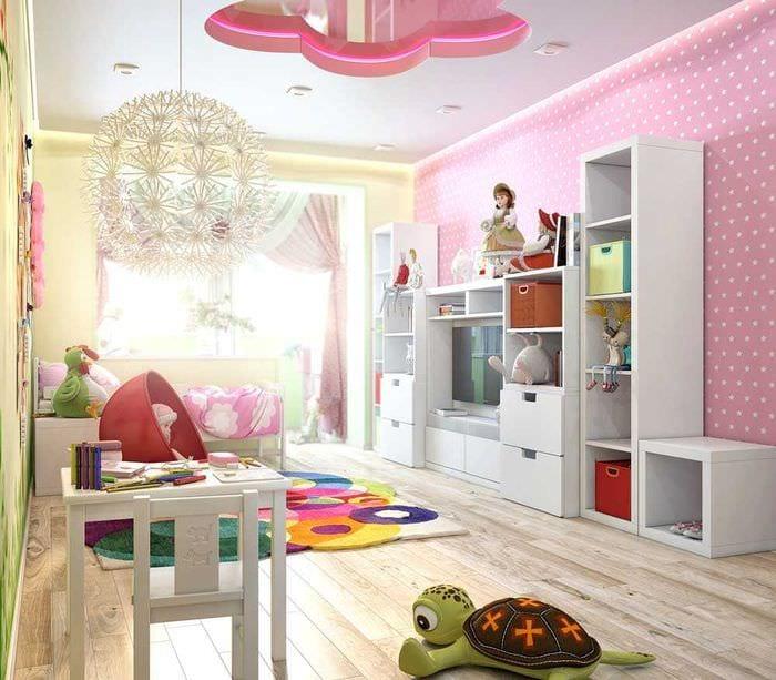 вариант необычного интерьера комнаты для девочки 12 кв.м