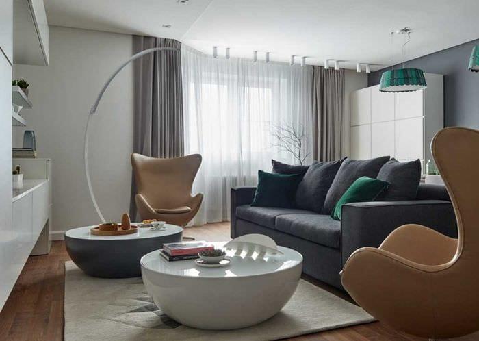 вариант необычного декора гостиной комнаты 18 кв.м.
