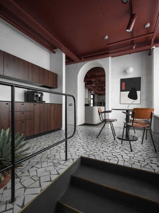 вариант яркого интерьера комнаты в советском стиле
