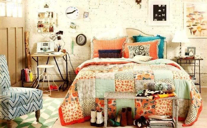 вариант красивого дизайна спальни в стиле пэчворк