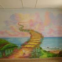 вариант необычного стиля дома с росписью стен картинка