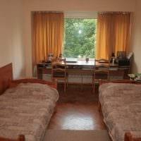 вариант необычного декора маленькой комнаты в общежитии фото