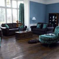 идея использования необычного голубого цвета в стиле квартиры картинка