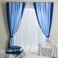 вариант применения яркого голубого цвета в дизайне комнаты фото