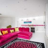 идея использования розового цвета в светлом декоре комнате картинка