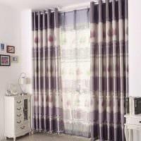 идея применения современных штор в необычном дизайне комнате картинка