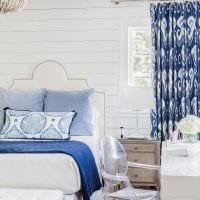 вариант использования необычного голубого цвета в дизайне квартиры фото