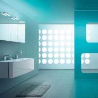 вариант использования яркого голубого цвета в дизайне дома фото