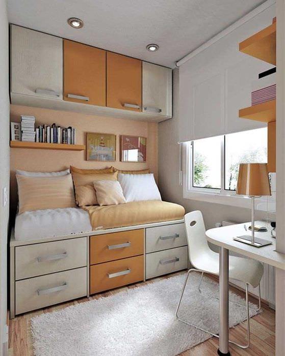 вариант светлого декора малогабаритной комнаты