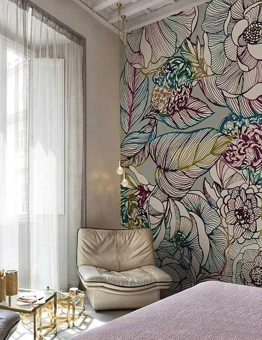 вариант светлого дизайна квартиры с росписью стен