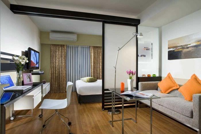 вариант красивого интерьера спальни гостиной 20 кв.м.