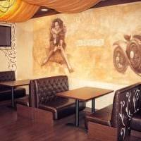 идея необычного декора квартиры с росписью стен фото